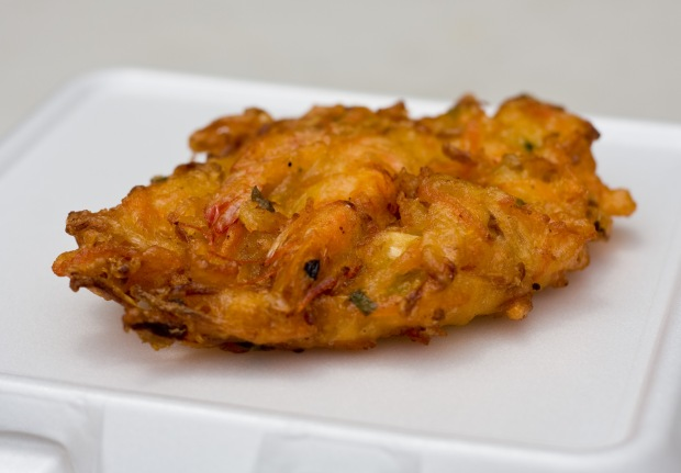 Bakwan_(seafood_cake_with_whole_shrimp)